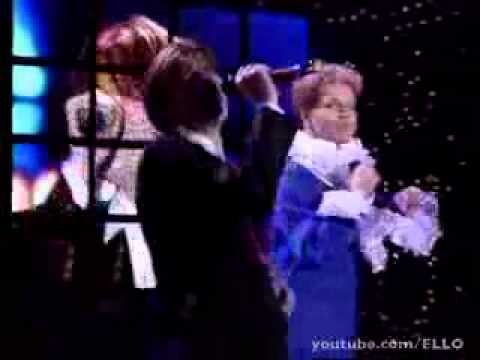 Николай Трубач и Борис Моисеев - Голубая луна (Песня Года 1998)из YouTube · Длительность: 4 мин46 с  · Просмотры: более 16.000 · отправлено: 22-2-2016 · кем отправлено: Боря Моисеев