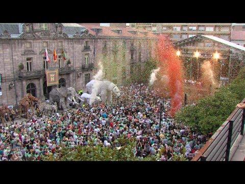 Torrelavega se baña de alegria y color en la Patrona