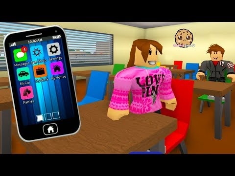 Texting Phone & Ghost In School ? RoCitizens Cookie Swirl C Plays Roblox Game Video