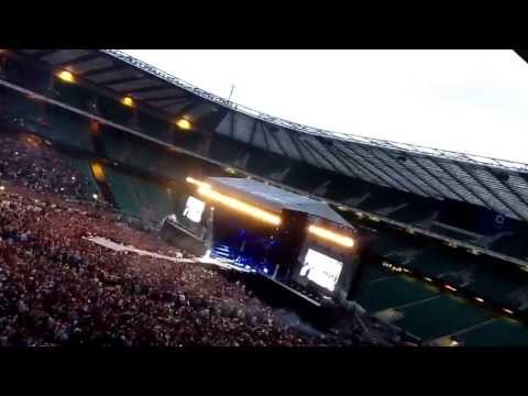 London loves Rihanna twickenham stadium DWT 2013