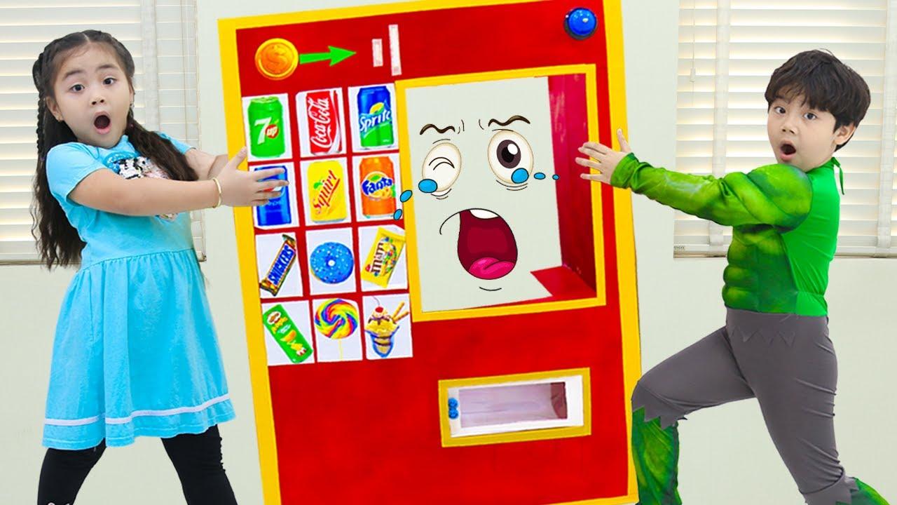 Annie and Sammy Pretend Play Vending Machine Kids Toys Story