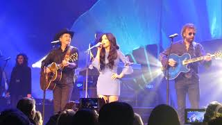 Kacey Musgraves with Brooks & Dunn - Neon Moon