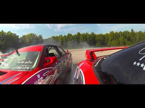 The Precision of Drifting Four Cars at Once Will Astound You