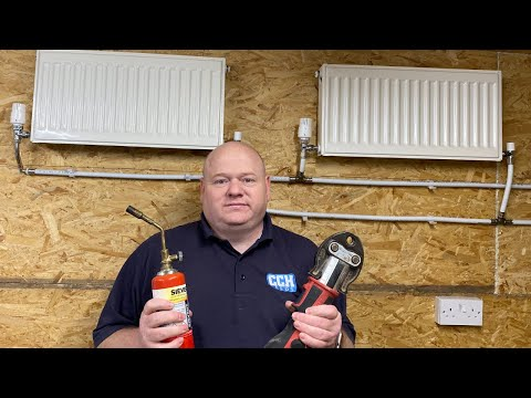 Should You Become a Plumber / Gas Engineer / Apprenticeship v Fast Track Plumbing