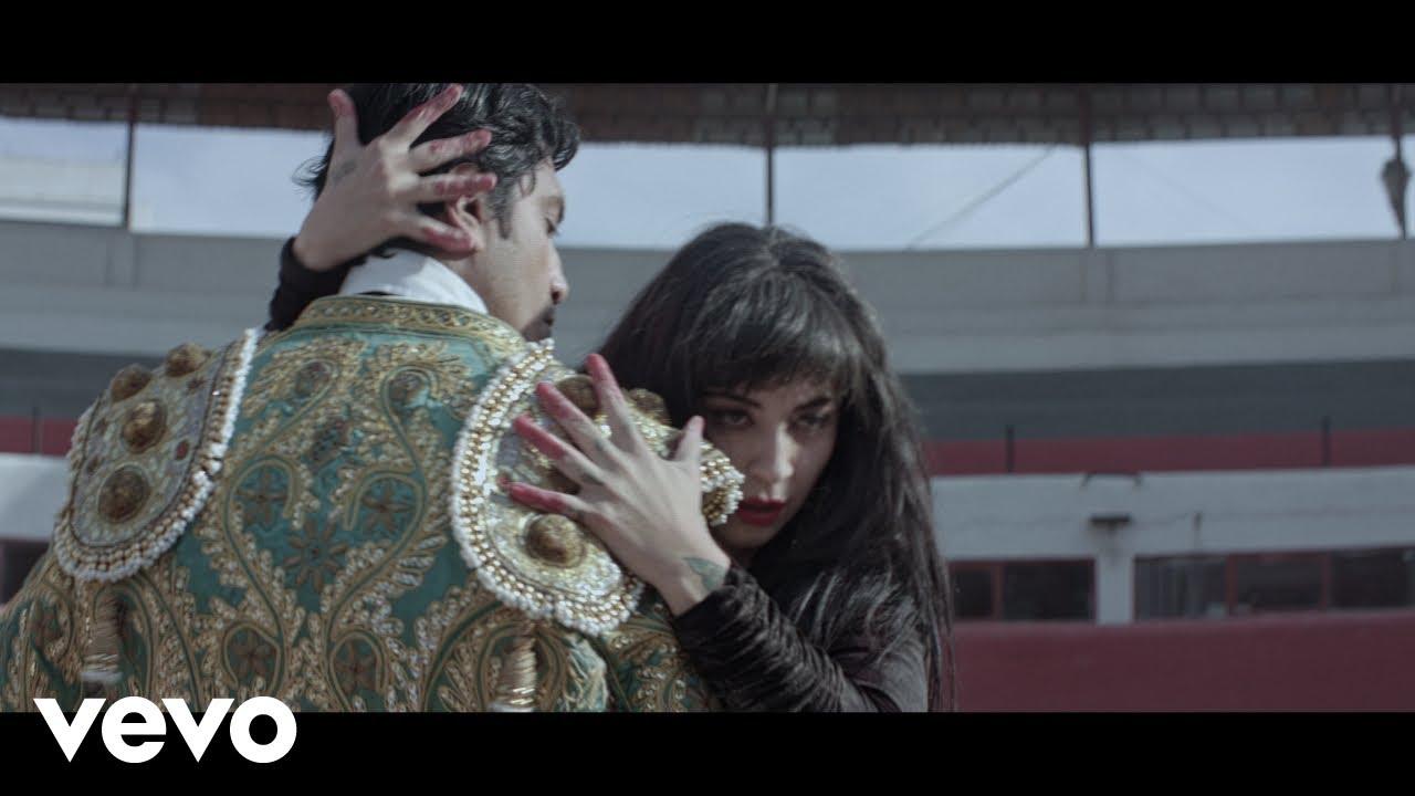Download Mon Laferte - Se Me Va A Quemar El Corazón