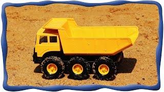 Машинка-самосвал Гарри строит башни из песка, Грузовик машинка Гарри, Видео для малышей