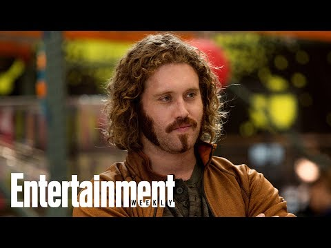 T.J. Miller Explains Why He Exited Silicon Valley | News Flash | Entertainment Weekly