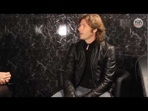 Entrevista a Hernán Cattaneo @ gloos club (Madrid) - Loca Fun Radio - Canal Progressive House