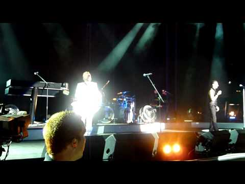 Depeche Mode - Walking in my Shoes, AFTER the power outage, Santa Barbara, CA August 20,2009
