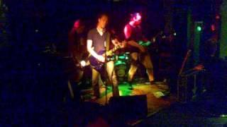 KOLKKO PERINTÖ    Väkivallan viholliset live@ BumeDance 3.7.2009