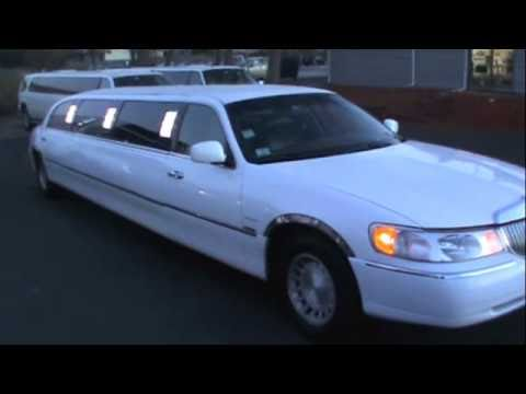 Celebrity Limousine Worldwide White Lincoln Town Car Executive