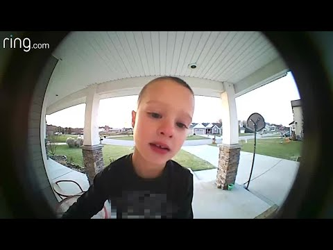 Scottro - Kid Makes Hilarious Call to His Dad Using The Doorbell