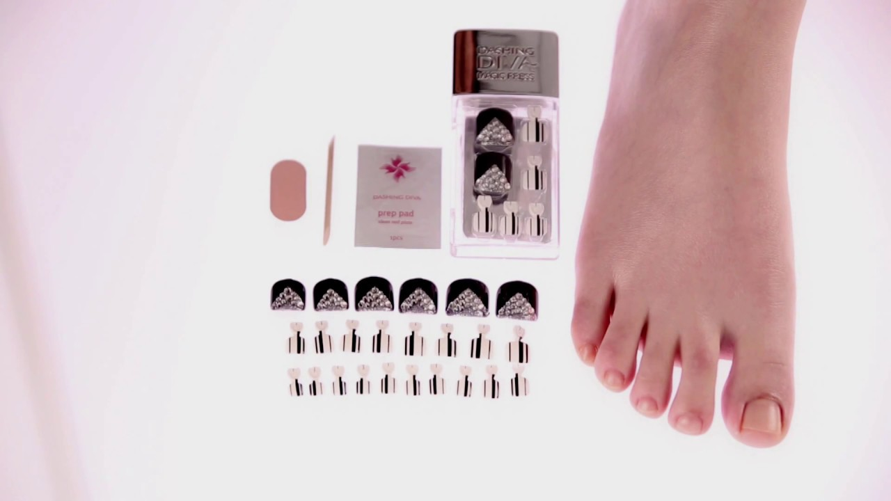 How to Apply Dashing Diva Magic Press Pedicure - YouTube