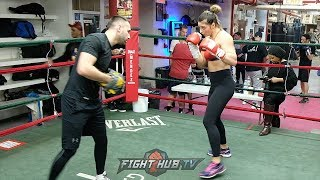 UNDEFEATED 160LBS CHAMP CHRISTINA HAMMER DROPPING BOMBS ON THE MITTS DURING WORKOUT