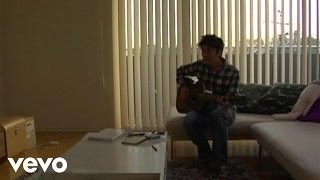 Music video by 森山直太朗 performing 諸君. (C) 2008 NAYUTAWAVE RECO...
