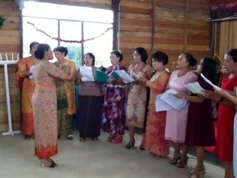 Natal horas srirejeki- koor ina glory HKBP