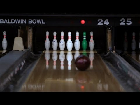 How to Shoot a 10 Pin / Bowl a Strike   Bowling
