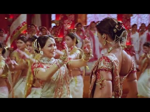 Daddy Yankee - Dura ft. Aishwarya Rai And Madhuri Dixit | Dola Re Dola Mashup |