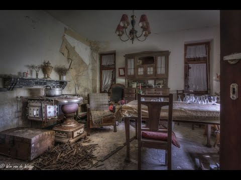 Abandoned Fully furnished farmhouse with a 18 century stove ! [The Little Green House]