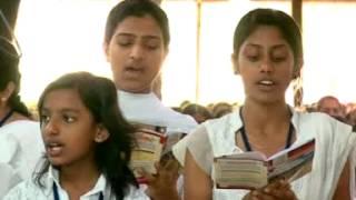 Maramon Convention 2013 Songs  Karthavin Varavil Namme By Santhosh Valiyaparambil