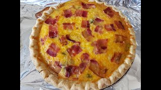 How to make a Spinach and Bacon Quiche with a pie crust recipe