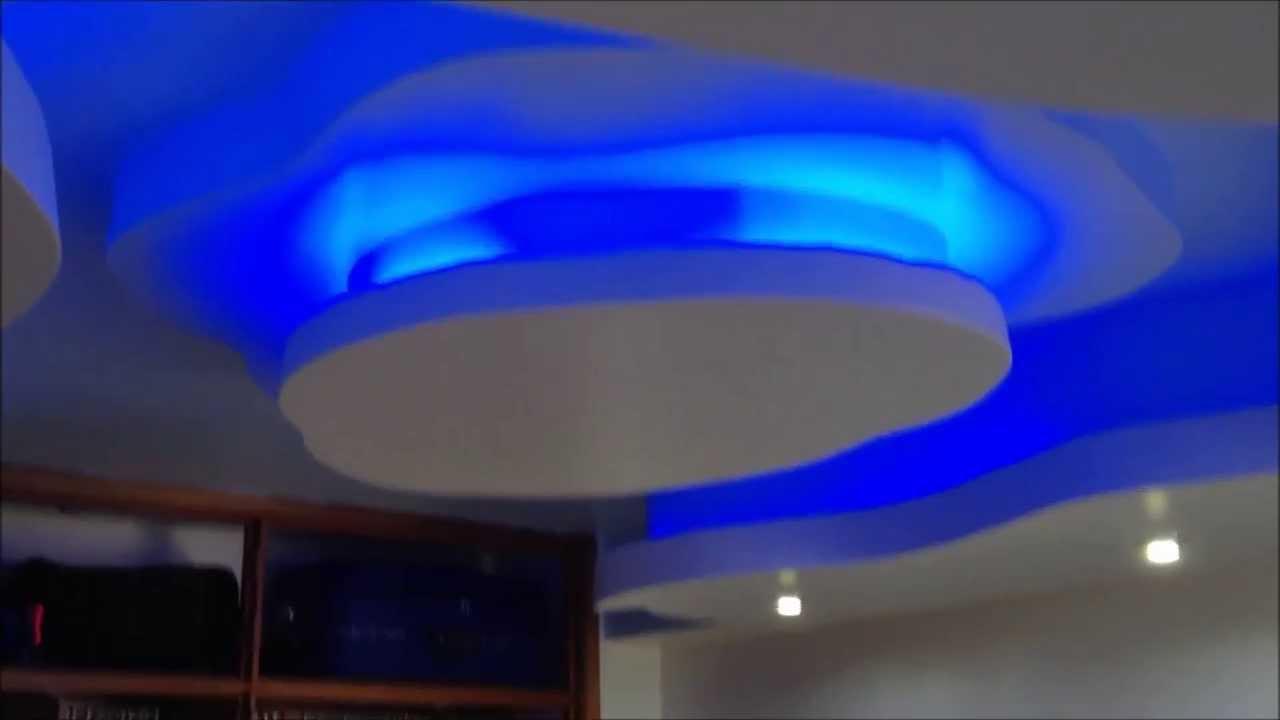 Moldura de techo con luces youtube for Cielos falsos modernos