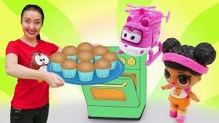 Видео про игрушки из мультиков для детей! Скай, Дизи и ЛоЛ пекут кексы!