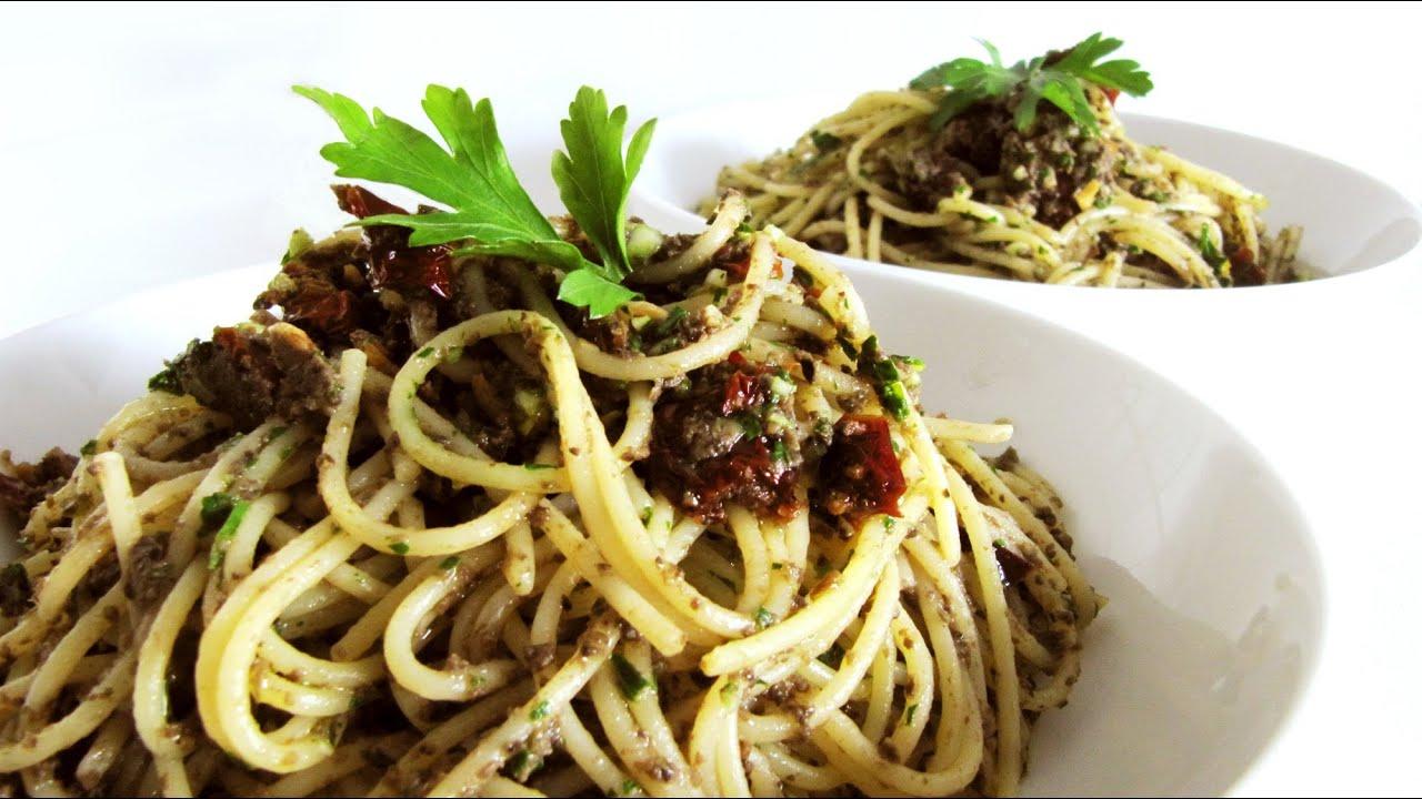 Olive Tapenade,Garlic & Dried Tomato Pasta (Pasta pate di olive e ...