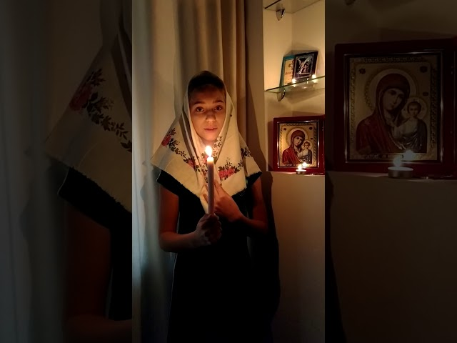 Изображение предпросмотра прочтения – ВикторияПасичник читает произведение «Молитва матери» С.А.Есенина