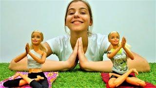Видео для девочек - Барби занимается йогой - Игры в куклы
