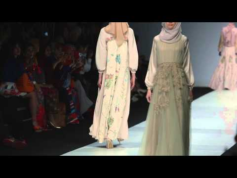 riamiranda : dahayu - Jakarta Fashion Week 2015