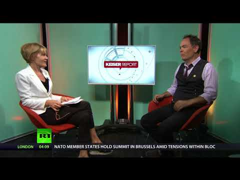 Keiser Report: Private immigration prisons' profits (E1252)