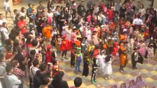希望城堡幼兒園103年萬聖節活動--萬聖節英文歌曲表演1