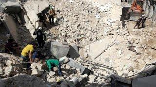 أخبار عربية - 58 قتيلاً في قصف متجد على أحياء حلب المحاصرة