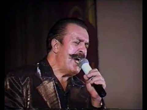 Вилли Токарев - начало концерта в Севастополе в ДОФ-е  2002 г