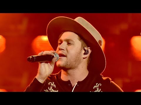 Niall Horan Gives SULTRY Country