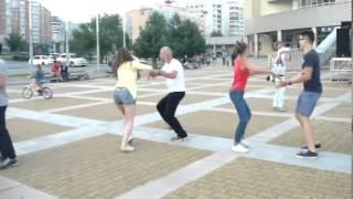 Обучаем танцевать Кадриль