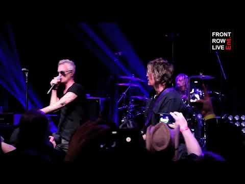 "Stone Temple Pilots Perform ""Vasoline"" with New Singer Jeff Gutt"