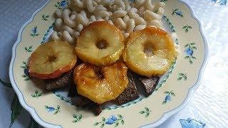 Печень с яблоками.Томатный соус.Печень с луком.