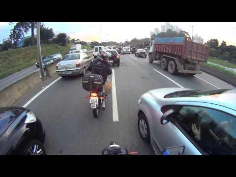 DCabeça  Acidente com Uma XTZ   na  Rodovia  Raposo Tavares  km19