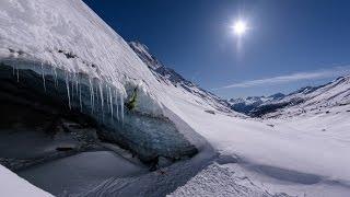 Nikon 14-24 Objektiv Testbericht - Eisklettern in einer Gletscherhöhle