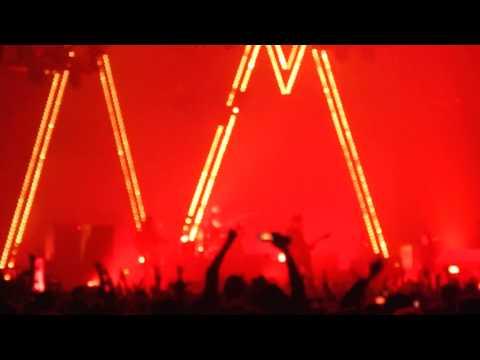 Arctic Monkeys - Brianstorm Live Zénith Paris 07/11/2013