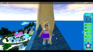 "Roblox Princesses I ""Parkour"" with Ra-PUN-zel In Royale High I Episode 2"