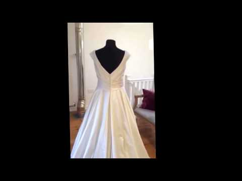 Bridal Reloved Rowton wedding dress by Pronovias www.bridalreloved.co.uk