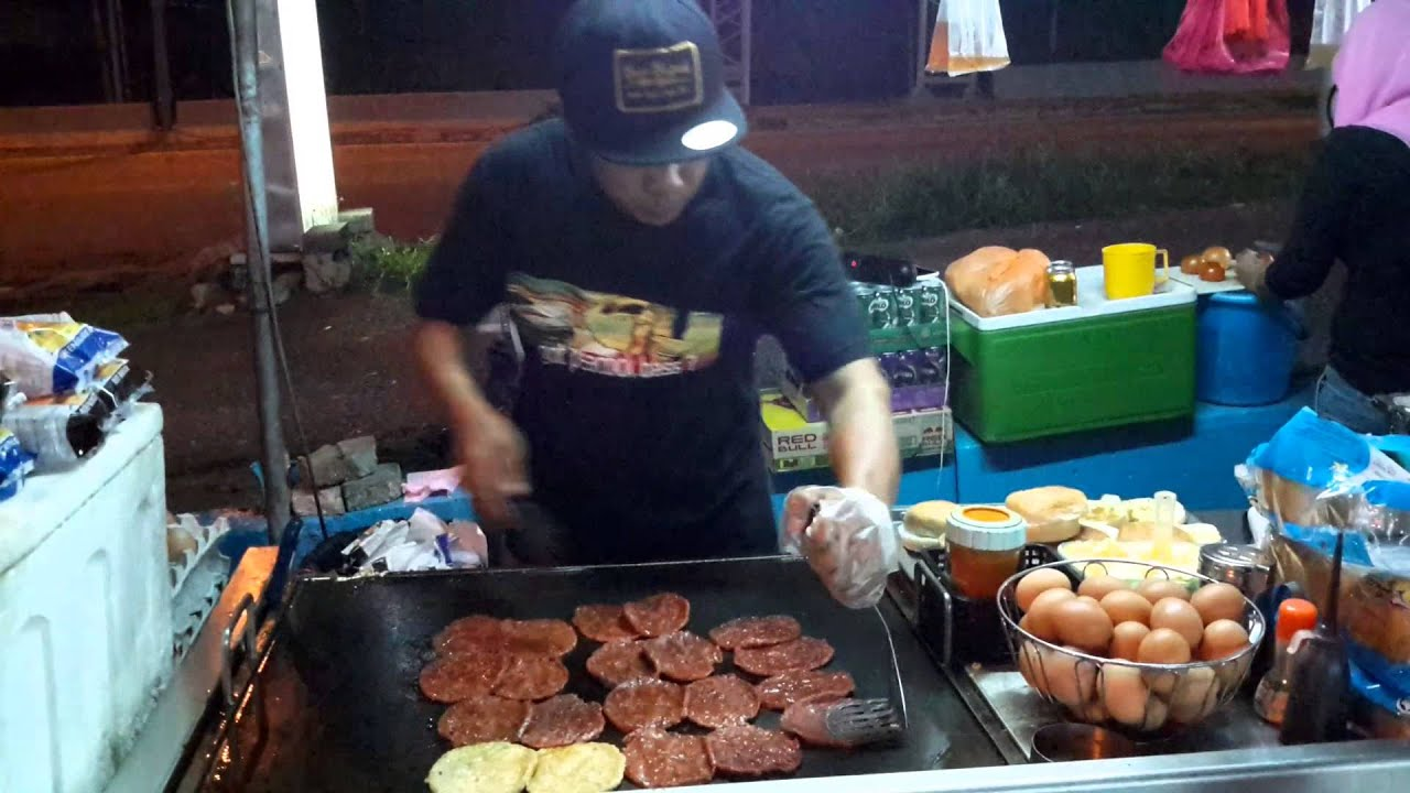 ramly burger The company was founded by dato haji ramly mokni and datin hajjah shala siah abdul manap ramly food processing sdn bhd is a well known bumiputra owned food-based manufacturer dealing in meat-based products.