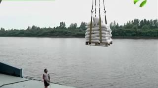 Более 500 тонн груза отправились в Ямальский район из Тюмени(, 2016-07-12T08:55:29.000Z)