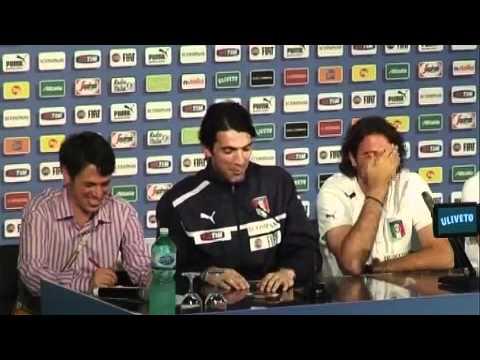 VIDEO A Buffon e Sirigu scoppia la ridarella