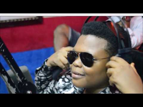 Osita Iheme aka Paw Paw hangs in with Gloria on #LunchTime