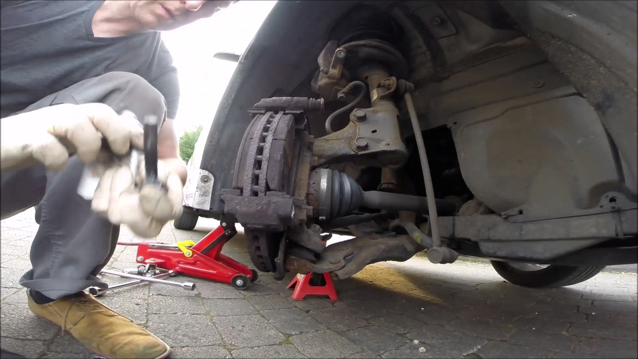 Toyota Avensis 2009 Front Suspension Rattling Rumbling
