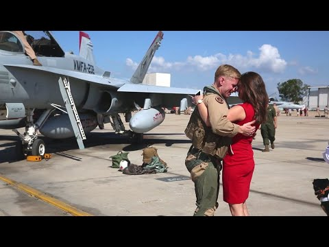 US Marines F-18 Squadron Homecoming